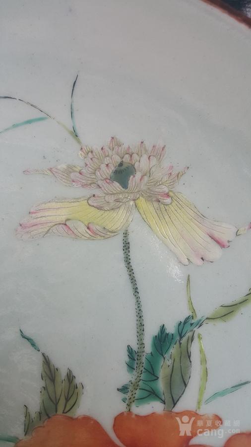 乾隆青地粉彩花卉大盘