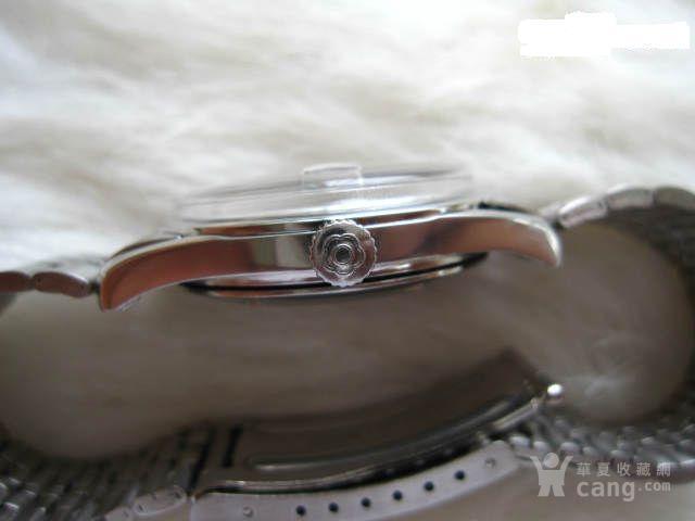 漂亮的男式手表一只。很新,跑得好。直径32毫米