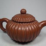几十年的红泥紫砂瓜棱形大茶壶