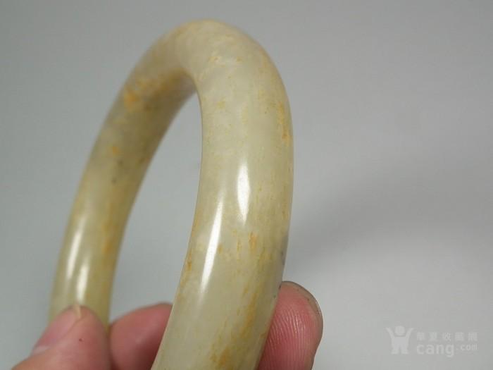和田青白玉带黄沁大圆手镯图5