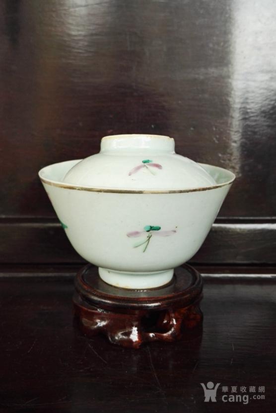清晚,粉彩牡丹纹盖碗。
