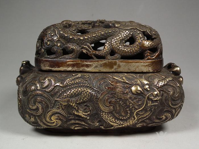 老黄铜镂空双龙戏珠盖配满工祥云腾龙纹灵芝耳大香薰炉图1