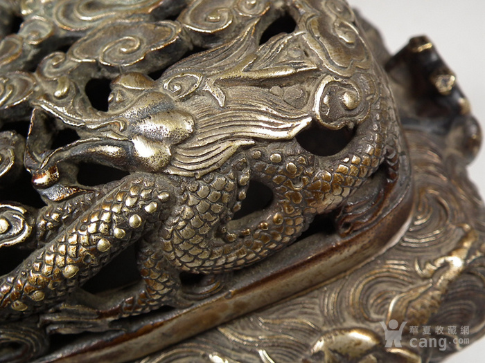 老黄铜镂空双龙戏珠盖配满工祥云腾龙纹灵芝耳大香薰炉图5