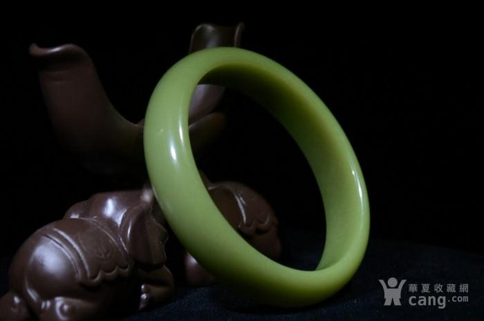 荧光石手镯一对直径7.4内径5.9厚1.4
