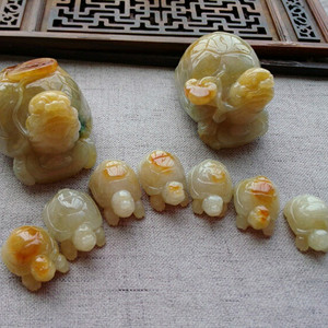 翡翠黄翡特色贺寿九千岁套装摆件