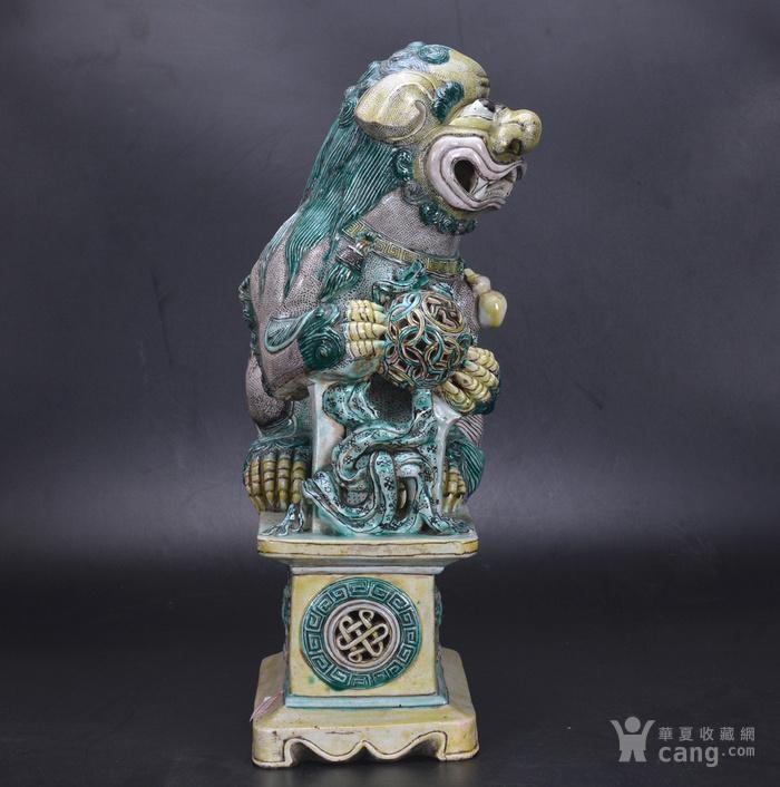 清 素三彩瓷狮图2