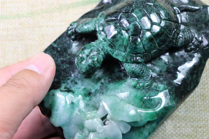 创汇时期的翡翠长寿龟镇纸
