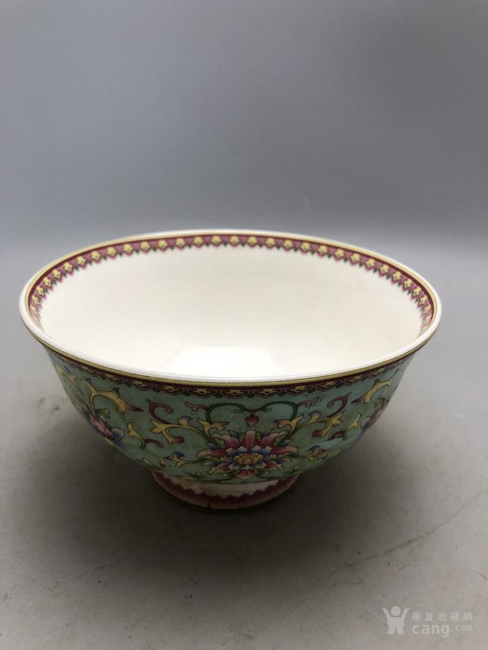 粉彩花卉瓷碗A0165