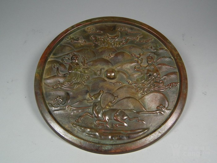 群仙寿鹿海水纹大圆铜镜图1