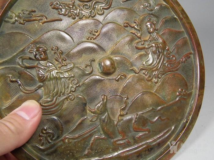 群仙寿鹿海水纹大圆铜镜图3