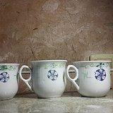 三个粉彩团花寿字万事如意纹茶杯 全品