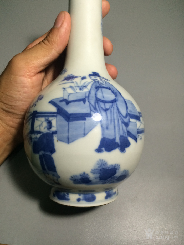 瓷器  青花人物小康瓶图8