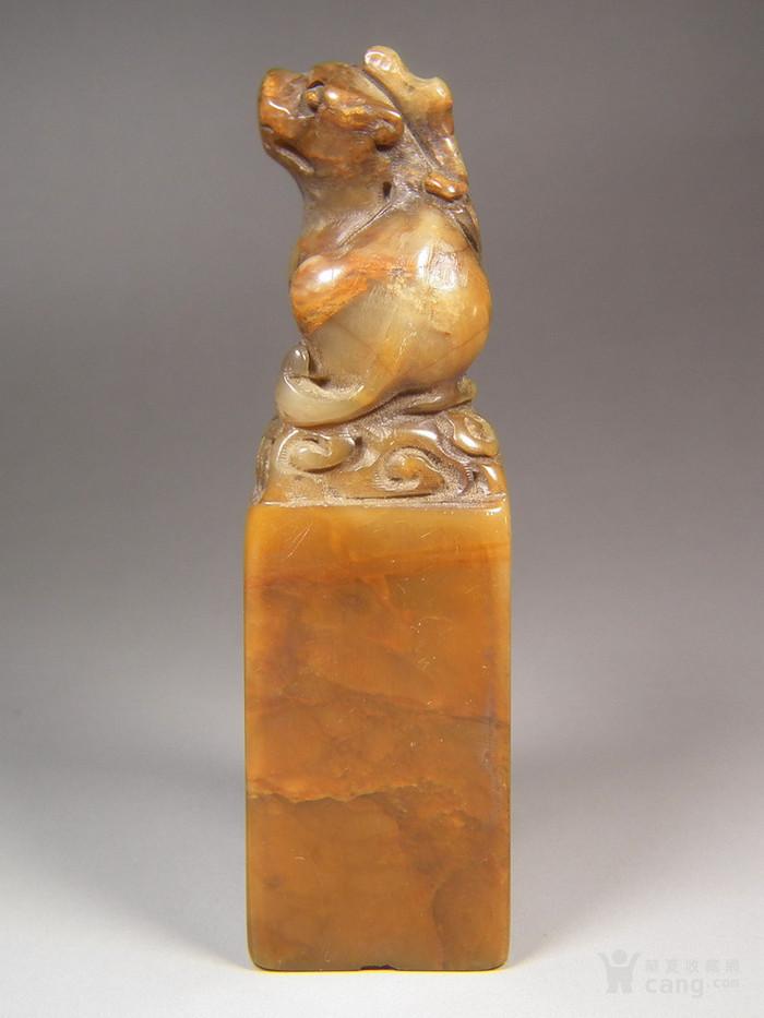 老深黄色寿山石圆雕卧兽大方印章图4