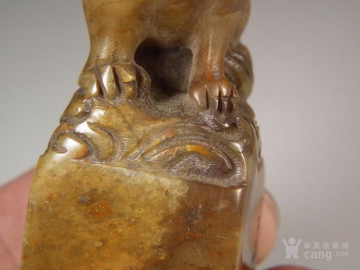 老深黄色寿山石圆雕卧兽大方印章图10
