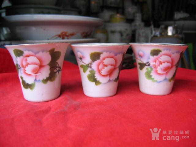 民国粉彩花卉纹马蹄杯3只 包老