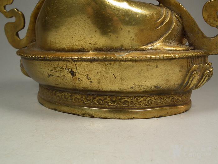 老铜鎏金莲花座渡母大坐像图10