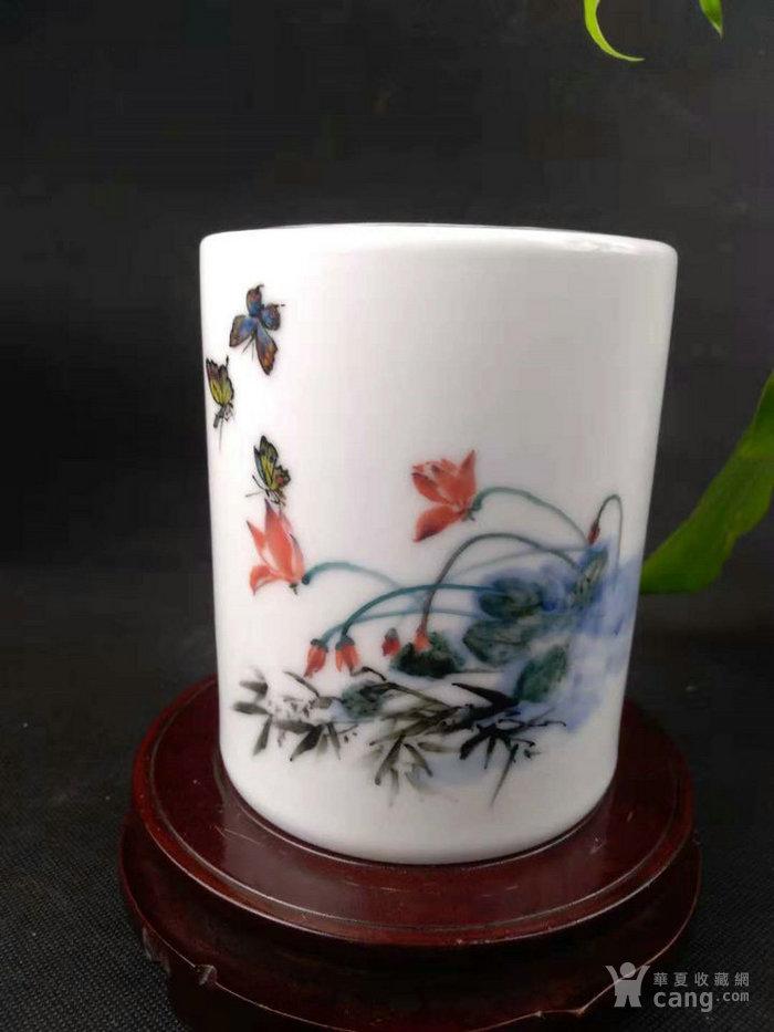 湖南省工艺美术师 陈晖球作品《舞》釉下五彩瓷笔筒