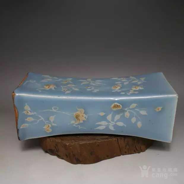 天青釉堆花瓷枕