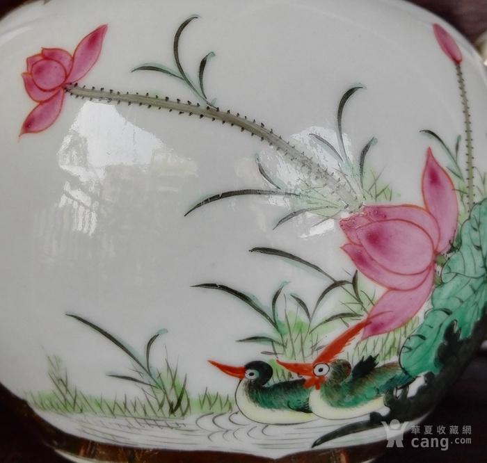 民国,福禄鸳鸯并蒂莲茶壶。