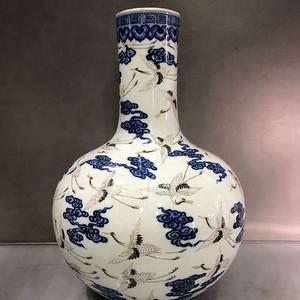 鹤纹天球瓶