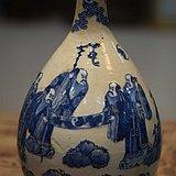 少见的青花福禄寿赏瓶