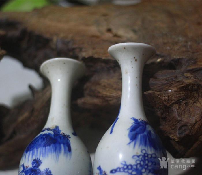 康熙青花山水柳叶瓶一对图片