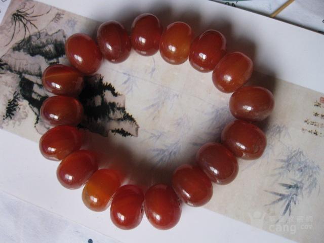 漂亮精美的南红玛瑙手钏。总重78.4克