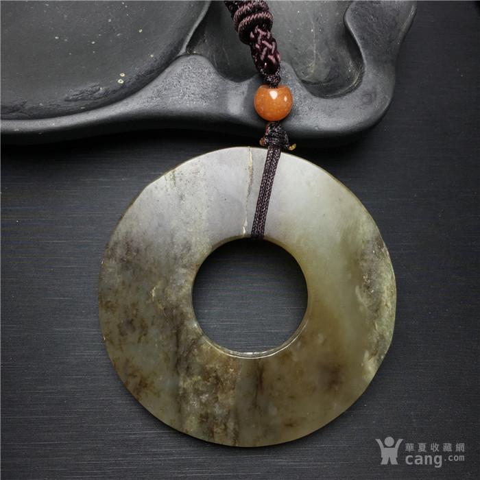 玉泉文玩L570晚清民国和田玉带糖圆形素壁