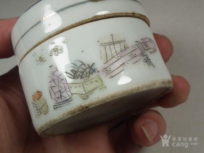 老粉彩仕女图大圆瓷盒图3