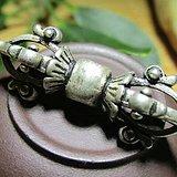 藏传 晚清时期 银质 精工铸造 火焰纹降魔杵 背鱼挂坠