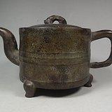 老黄铜带钮大圆茶壶