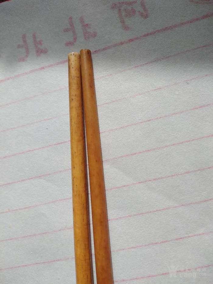 一双老筷子