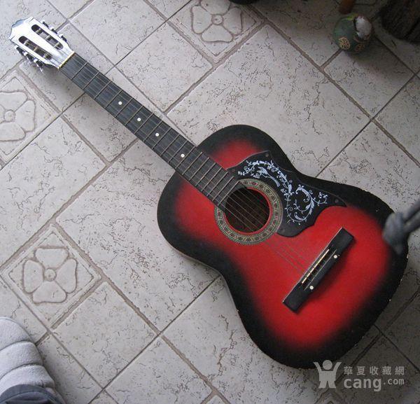 一把品牌红棉吉他