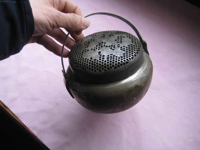 做工精巧可爱的白铜小手炉