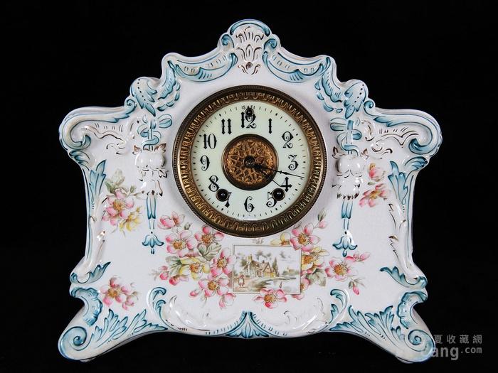 维多利亚时期粉彩瓷面绘画钟