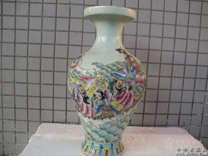 五彩人物花瓶