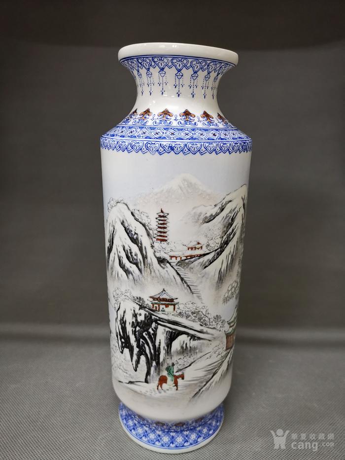 建国蛋壳瓷纯手绘雪景图筒瓶.
