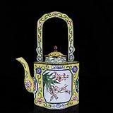 清代铜胎珐琅花卉统身绘画提梁壶