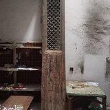 明代崇祯铜钱花黄香楠木雕窗门一扇