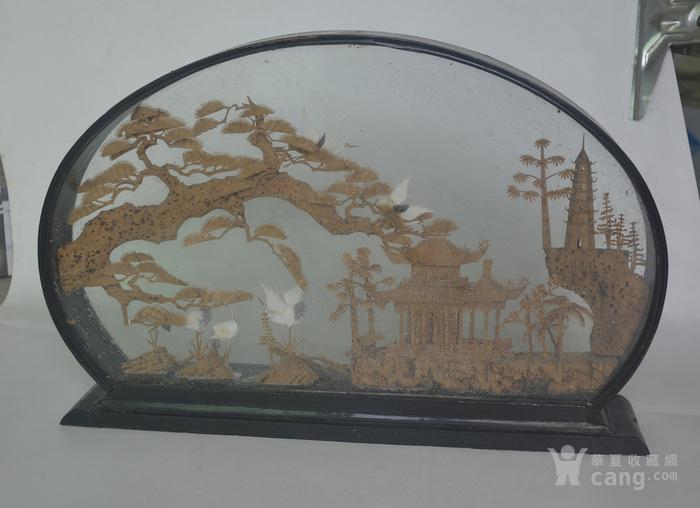 老大檀香木雕摆件图1