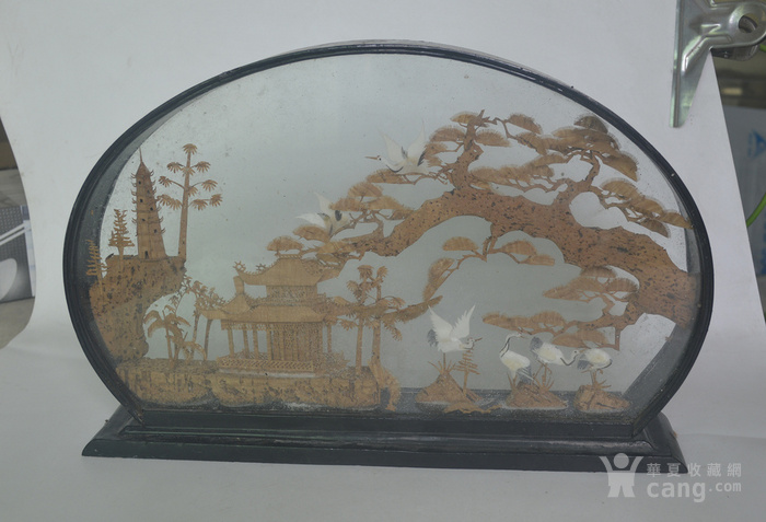 老大檀香木雕摆件图2