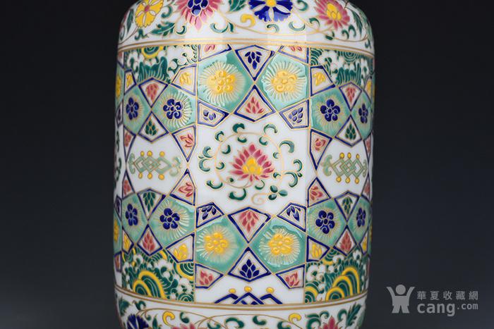 明宣德五彩描金几何花卉纹壮罐