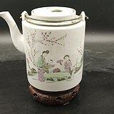 粉彩仕女人物筒壶